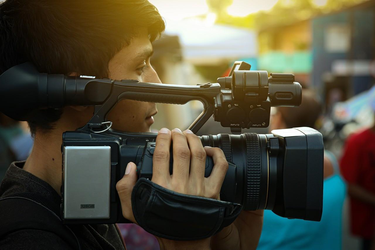 видеооператор, видеокамера, видеосьемка на свадьбе