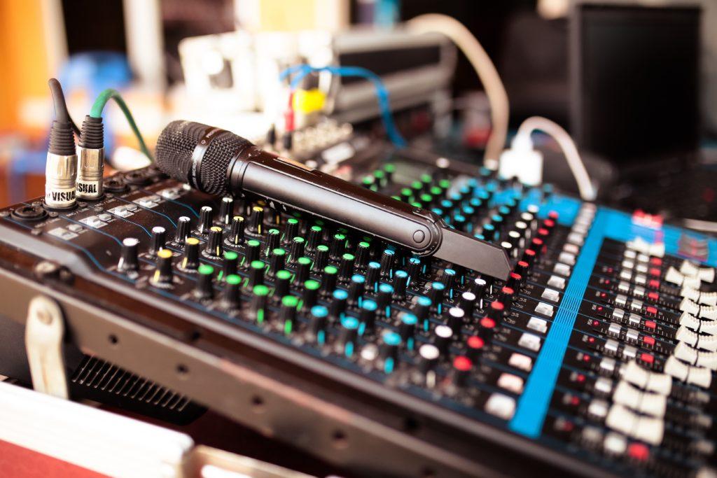 аппаратура, тамада, ведущий, профессионал, диджей, микрофон