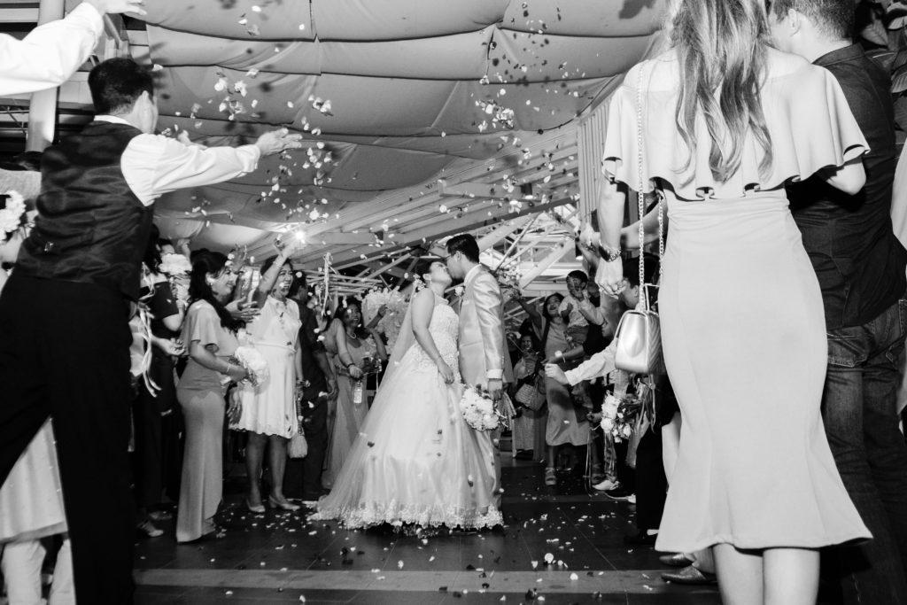 свадьба, молодожены, ведущий