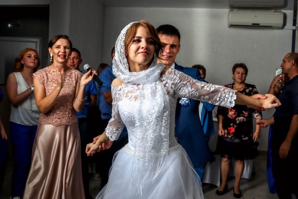 Для чего ведущий на свадьбу, ведущая Арсенова Юлия, свадебный ведущий