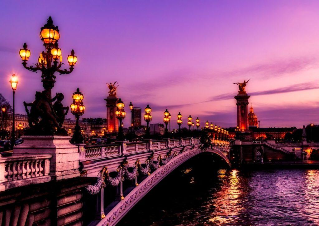 Париж, медовый месяц в Париже, ночь, мост с фонарями