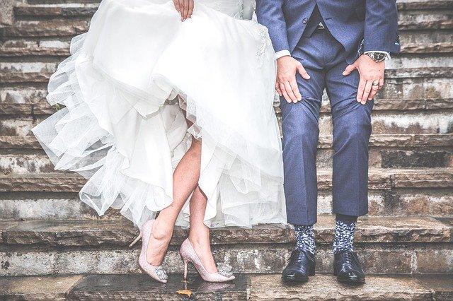 жених с невестой, свадебное платье, свадебный костюм, банкет,